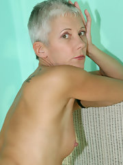 Recommend granny short haired naked nude