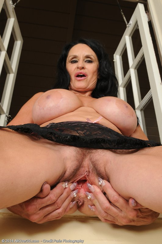 Milf attractive anal